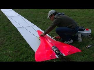 Радиоуправляемый самолёт с сумасшедшей скоростью