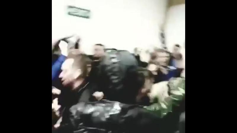 Twist And Shout в исполнении фанатов Coventry City