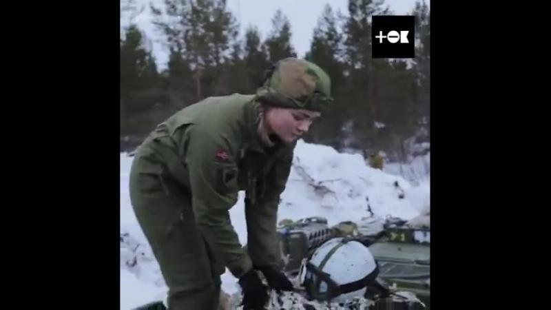 Эта девушка служит в норвежской армии наравне с мужчинами и живёт с ними в одной казарме