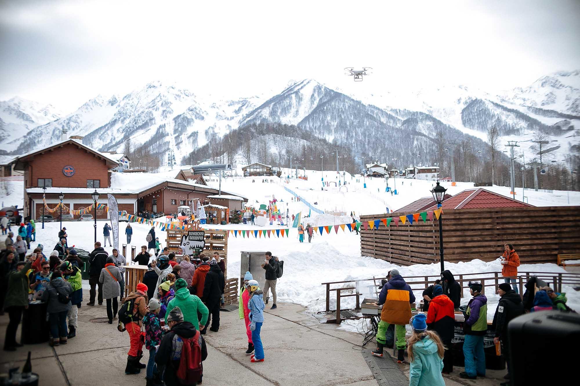 Сочи принял фестиваль для лыжников и сноубордистов Tinkoff RosaFest