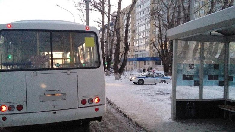 УМВД: водитель маршрутки в Томске перевозил пассажиров, не имея прав