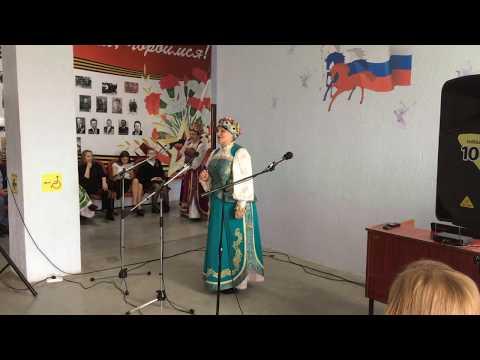 Поёт Катерина Григорьевна За синими туманами