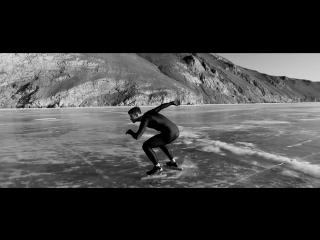 На коньках по льду Байкала (Joey Mantia)
