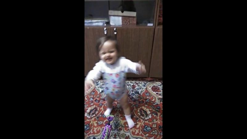 первые шаги маленькой принцессочки