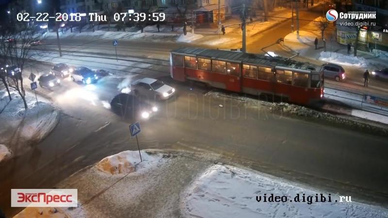 ДТП Бийск на перекрестке ул. Ленинградская - Васильева 22.02.2018
