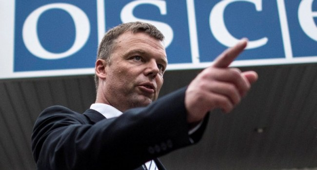 Хуг обеспокоен предстоящими боевыми действиями на Донбассе