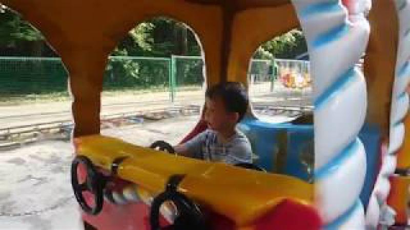 Ярославчик мой любимый Крестный внук - катание на паравозике.Часть1-я