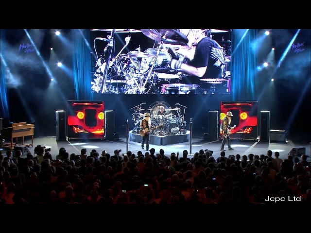 "ZZ Top ""Sharp Dressed Man"" Live At Montreux 2013 Full HD"