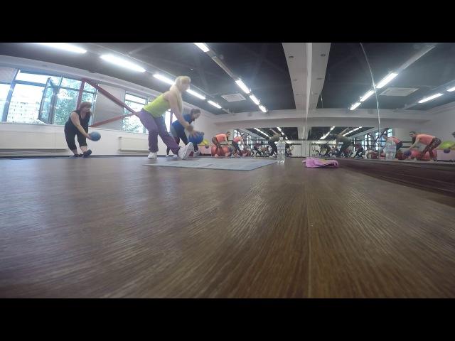 Функциональная тренировка в Wellness формате с мини болами на оздоровление позвоно ...