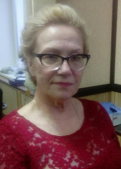 Елена Чекманова