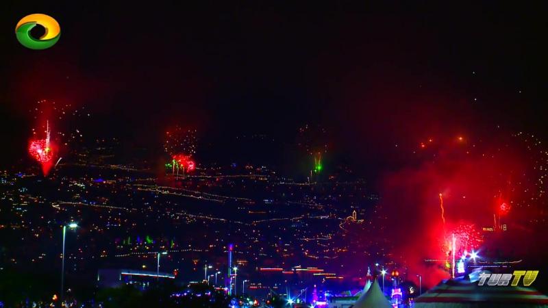 8 minutos fogo de Artifício Passagem de Ano Madeira 2017-2018 New Year Fireworks