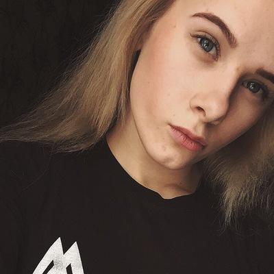 Анна Паукова