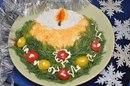 Подборка 10 праздничных нарядных салатов: .