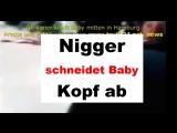 Afrikaner schneidet Baby Kopf ab