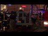 Автомобиль влетел в остановку в Москве