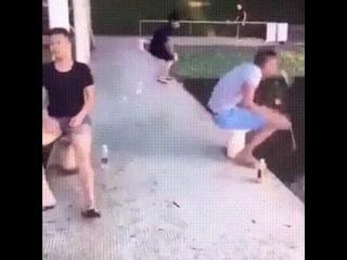 Шутник!
