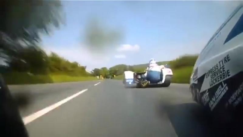Lunatic Sidecar Racers IsleofMan TT