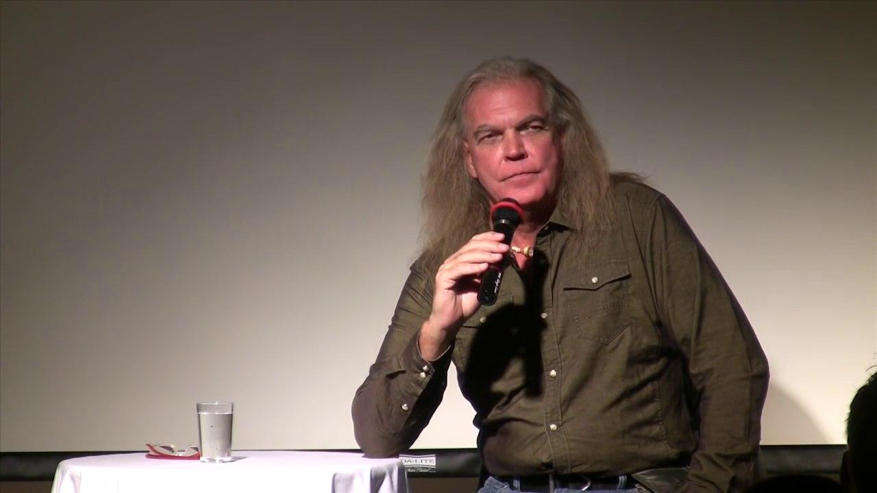 Джерри Уиллс (Jerry Wills), человек с другой планеты 6c8ph8N68LU