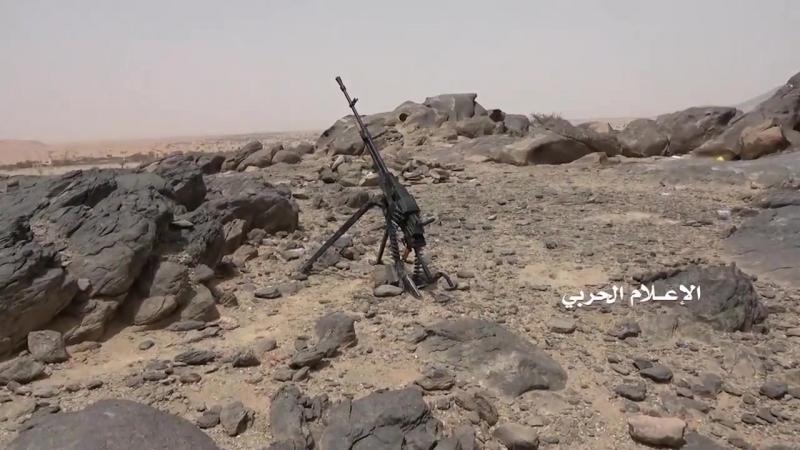 Хуситы на захваченных позициях в Аль-Буке.