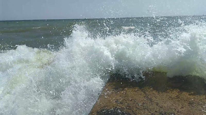 Великі хвилі 6