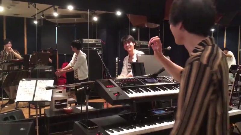 Поздравление Моришимы Шуты в студии HiBiKi