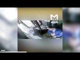 Наезд автобуса на остановку в Москве — видео с регистратора