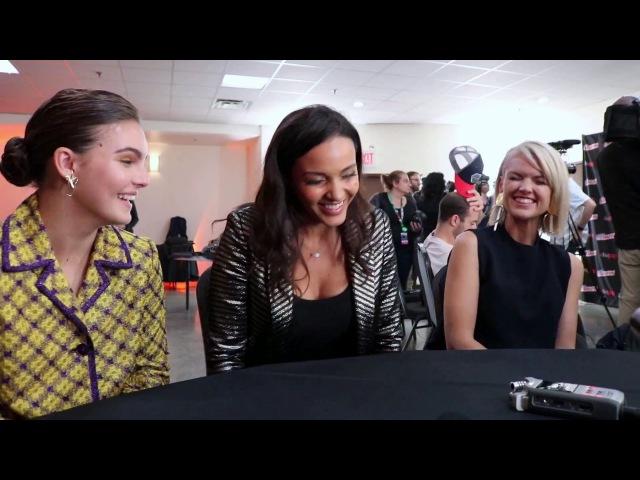 Camren Bicondova (Selina), Jessica Lucas (Tabitha) Erin Richards (Barbara) talk Gotham @ NYCC '17