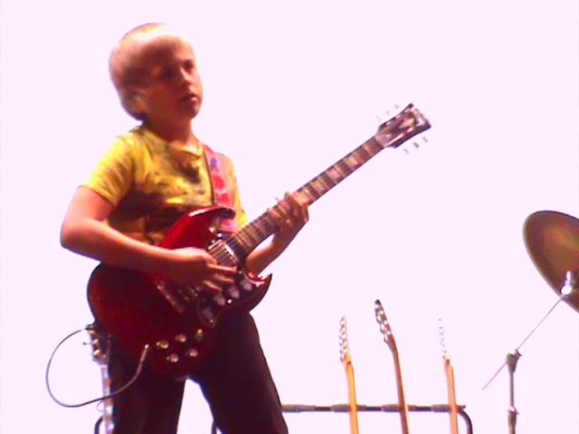 Sucking at YNGWIE MALMSTEEN 11 year old me