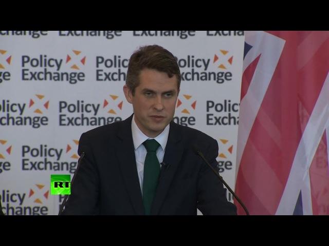 Министр обороны Великобритании Гэвин Уильямсон потребовал от России заткнуться