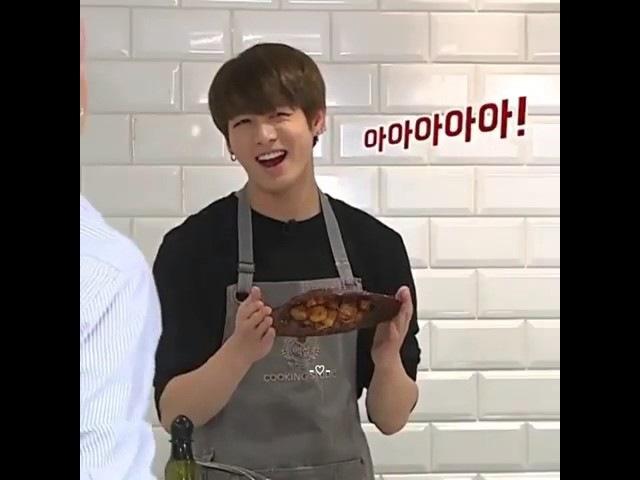 Чонгук не умеет готовить доказано! |BTS | {S - kpop}
