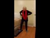 Танцуй  пока  молодая бабушка  рая.