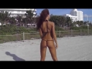 девушки на пляже в бикини,лето,море горячая подборка видео