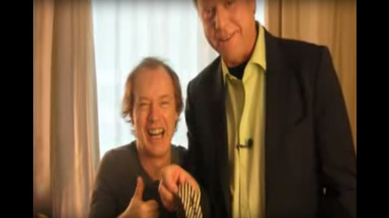 ✪ ✪ ✪ Ангус Янг AC DC для шведского ТВ Часть Вторая перевод 2008