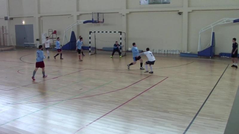 Нарезка первого тайма матча Мэйджор-Шедвил