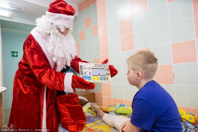 Томичи к Новому году могут подарить книги детям из больниц и детдомов