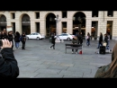 River flows in you на туринской Piazza Castello
