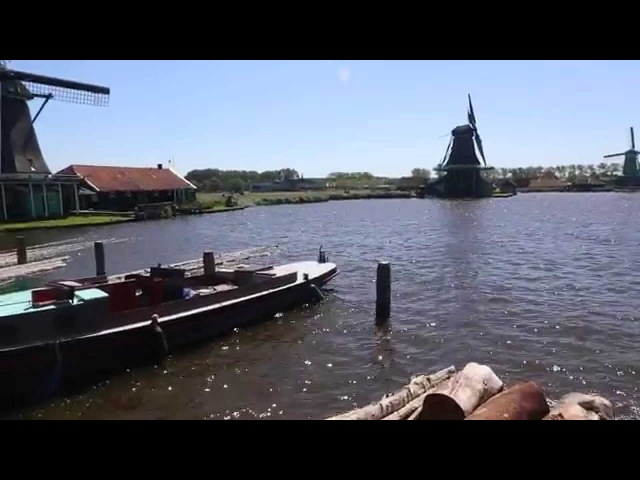 Ветряная мельница-лесопилка в Заанс-Ханс (Windmils in Zaanse Schans)