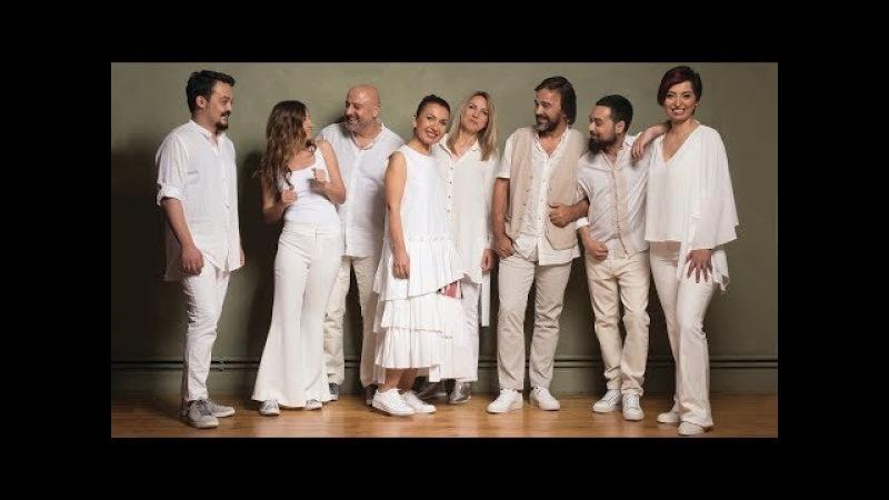 Kardeş Türküler - Ala Del'una (Evlerinde Lambaları Yanıyor) [ Yol © 2017 Kalan Müzik ]