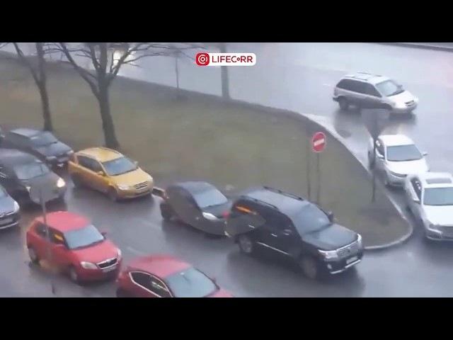 Неизвестные люди устроили стрельбу в Санкт-Петербурге