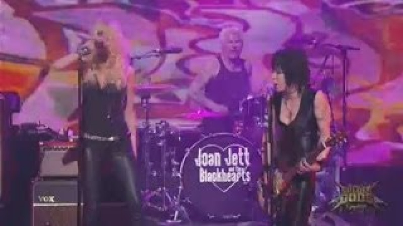 Joan Jett (feat. Taylor Momsen) @ Revolver Golden Gods Awards 2014