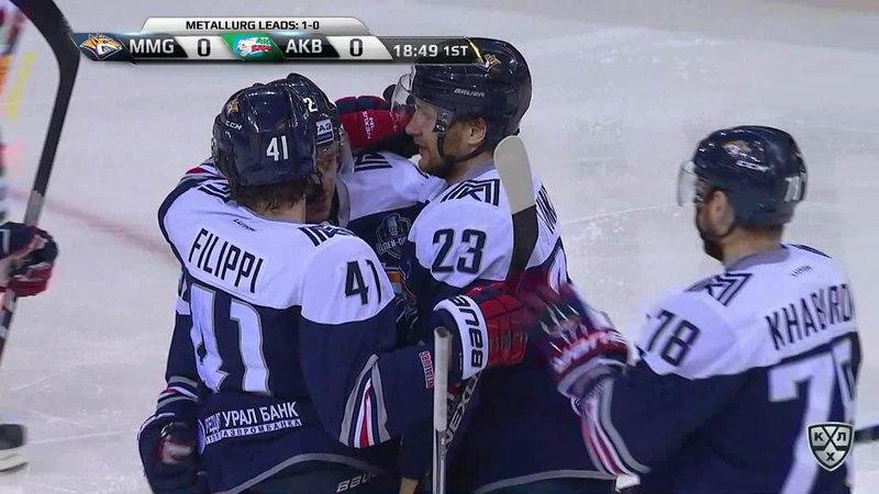 Моменты из матчей КХЛ сезона 17/18 • Гол. 1:0. Евгений Тимкин (Металлург) открыл счёт во втором матче серии 26.03