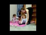 Фитнес и стретчинг для мамы с дочкой