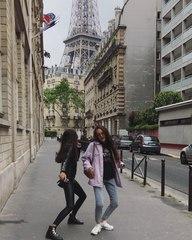 """НЮТА on Instagram: """"Когда сзади башенка, хочется танцевать 💃🏽♥️ Париж, я люблю тебя! @karina_nigay 💃🏽💃🏽💃🏽 Скоро будет видос, где будем желание заг..."""