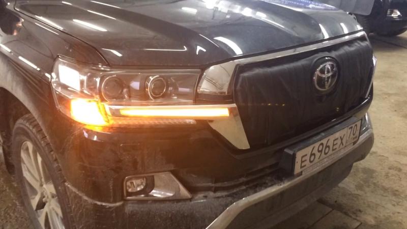 Поворотные огни на Toyota LC 200