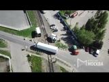 Последствия столкновения грузового поезда и фуры на железнодорожном переезде в Подмосковье