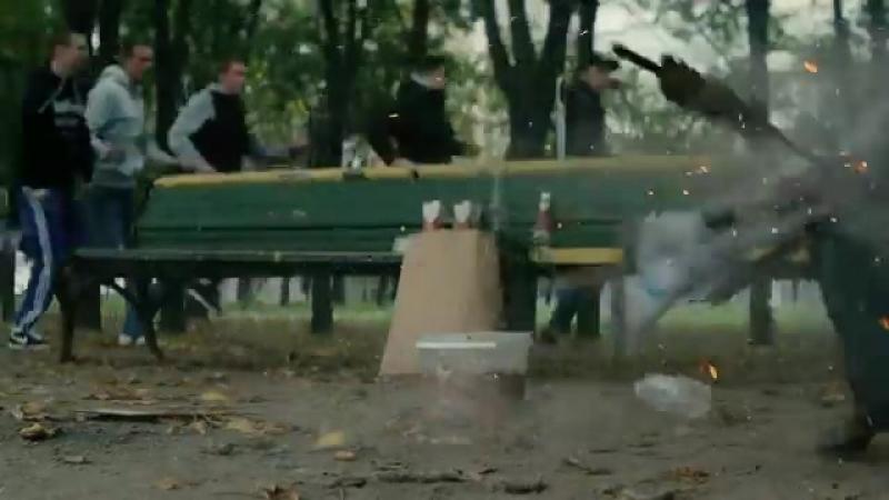 Околофутбола фильм - Драка в парке Лучшие моменты.mp4