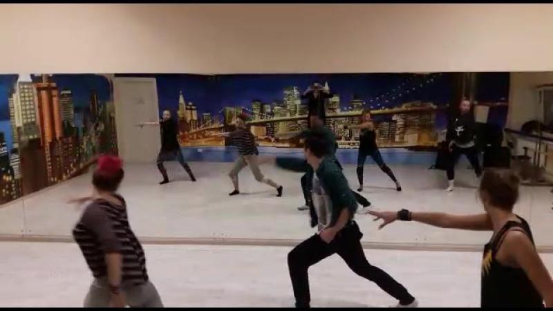 Танец Офисных Рыцарей by Mikhail Garipov