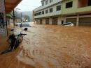 Enchente lamentável aqui no bairro! (Hell de Janeiro)