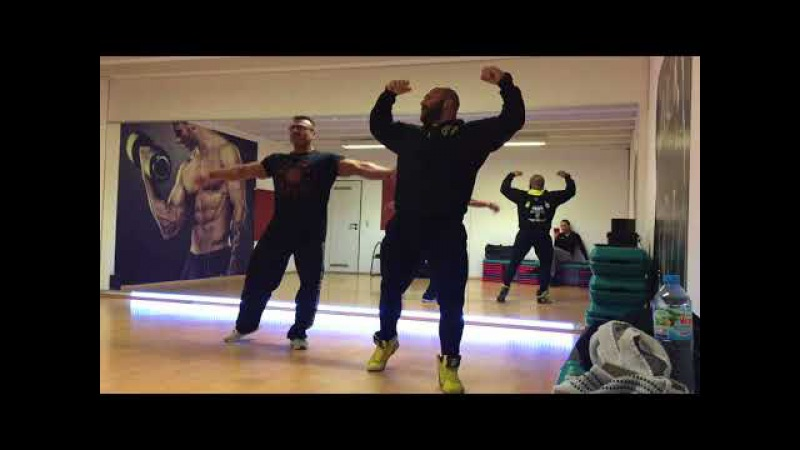 Uwe Hemmer IFBBL Guest Posing 2017 choreography by Dennis Riskis