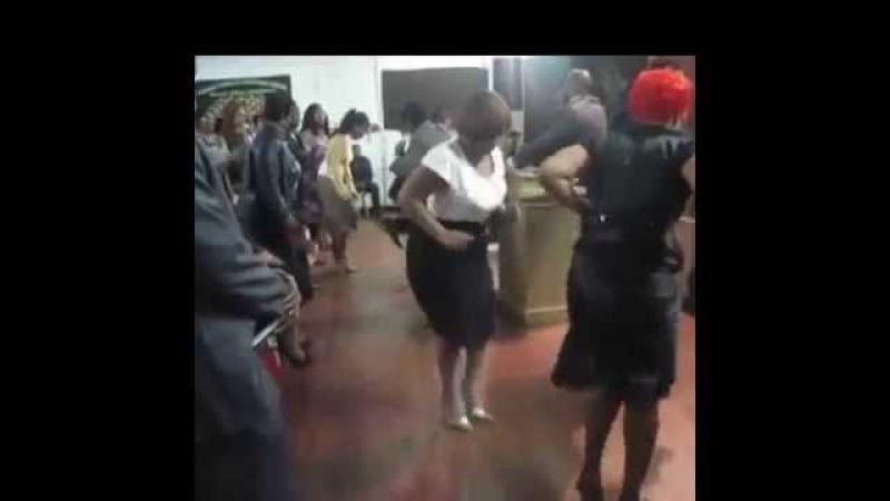 Пастор Католик баптистская дебильная свидетели Иеговы Lady Praise Break
